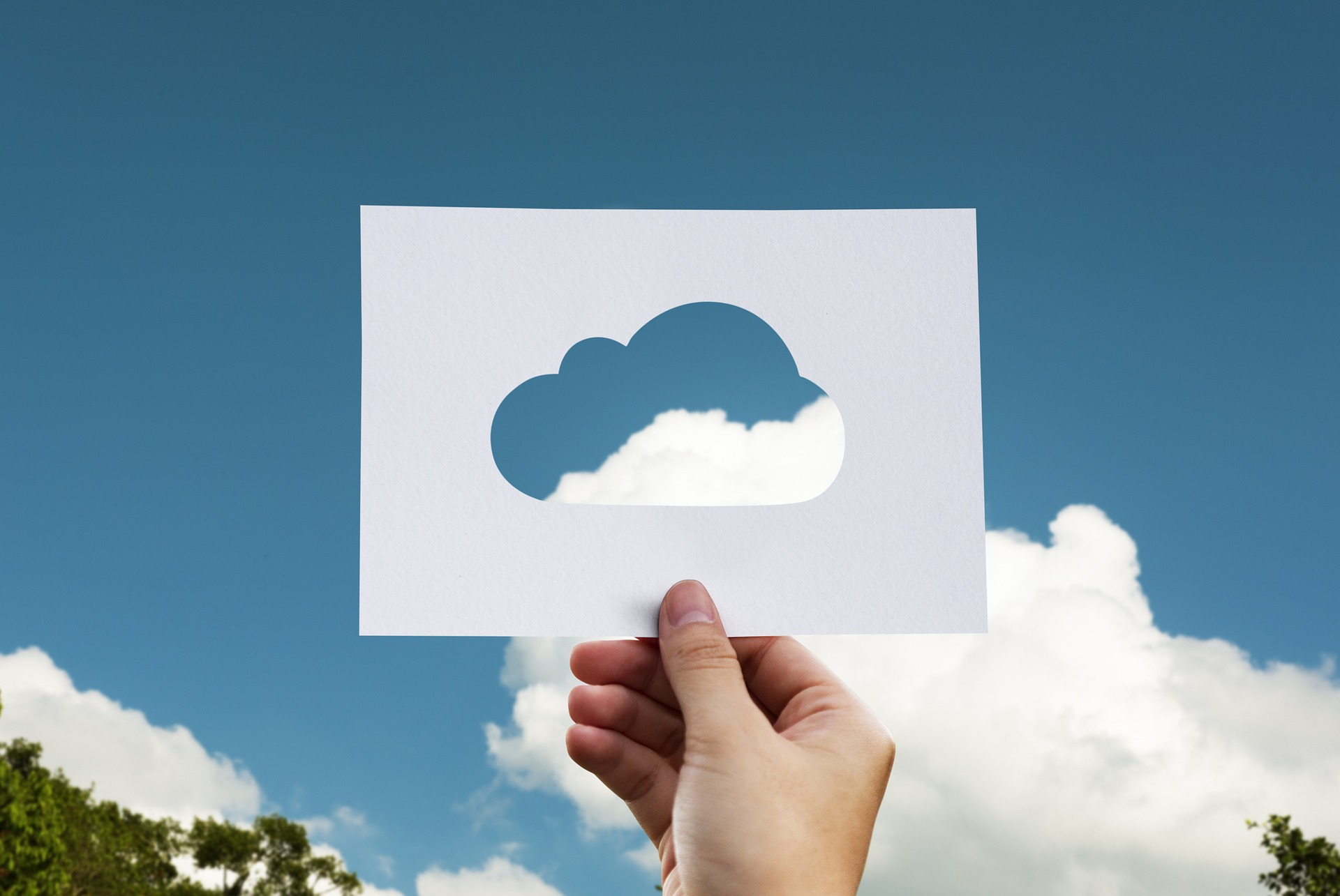 cloud 2104829 1920 1 - Entre nubes: el futuro del cloud computing